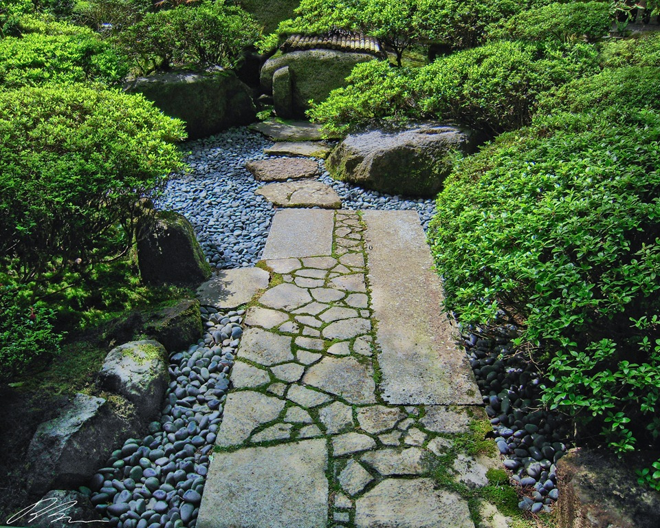 Design walkways and garden paths garden design for living for Japanese stone garden