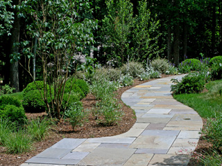 Design walkways and garden paths garden design for living for Cleaning concrete paths