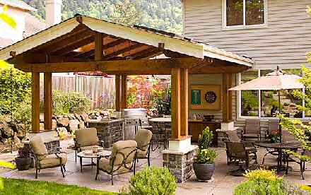 Design your own outdoor dining area garden design for living for Outdoor garden rooms