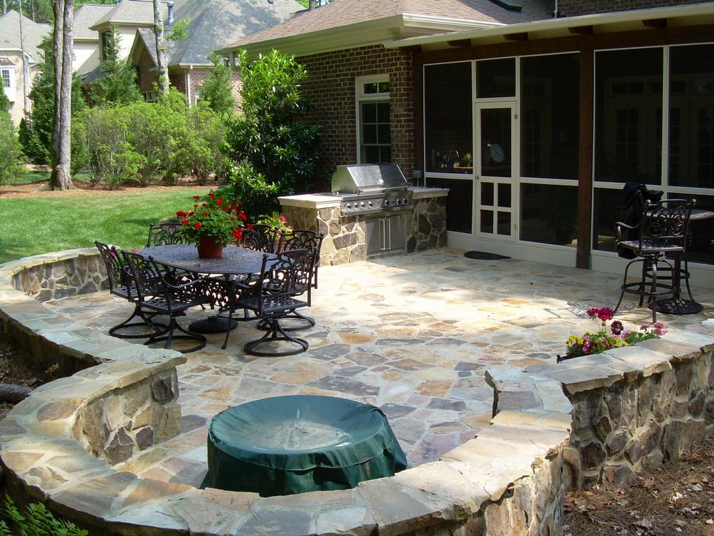 Design your own outdoor dining area garden design for living for Rock landscaping ideas backyard