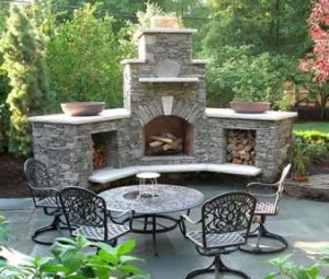 Design guide for outdoor firplaces and firepits garden for Attractive patio stone fireplace designs