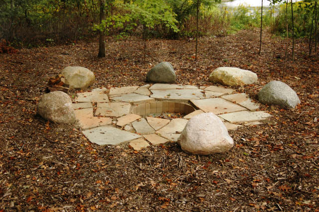 Rustic Outdoor Fire Pit Ideas